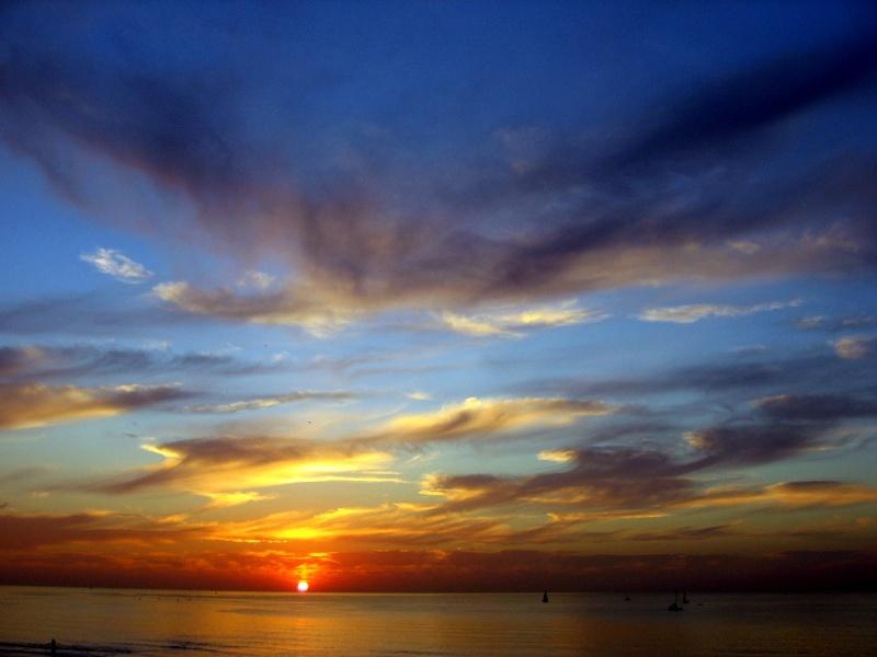 Pourquoi un coucher de soleil est rouge ou pourquoi le ciel est bleu c 39 est la m me chose - Pourquoi un coup de soleil gratte ...